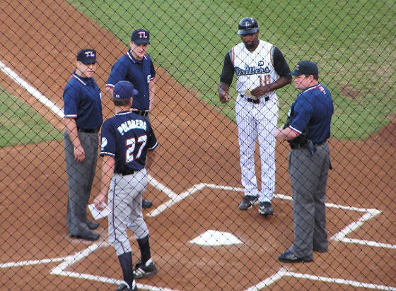 Exchanging the Line ups - Drillers Stadium
